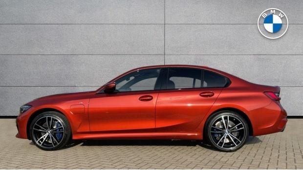 2021 BMW 330e M Sport Saloon (Orange) - Image: 3