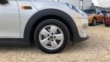 2017 MINI Cooper 3-door Hatch (Silver) - Image: 14