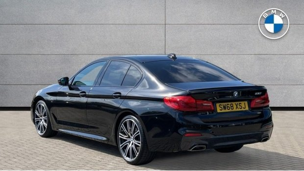 2019 BMW 530i M Sport Saloon (Black) - Image: 2