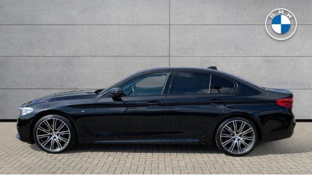 2019 BMW 530i M Sport Saloon (Black) - Image: 3