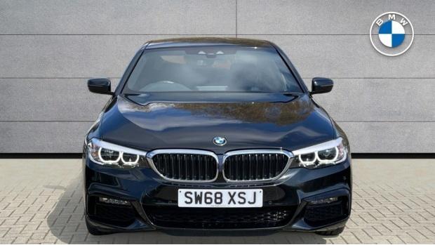 2019 BMW 530i M Sport Saloon (Black) - Image: 16