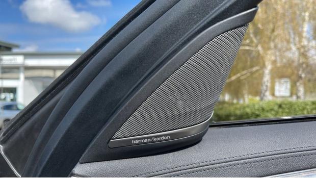 2019 BMW 530i M Sport Saloon (Black) - Image: 20