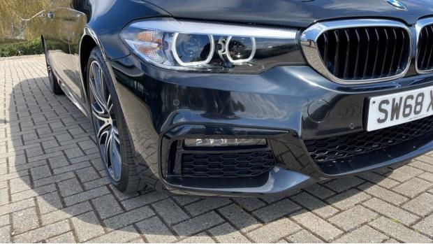 2019 BMW 530i M Sport Saloon (Black) - Image: 28