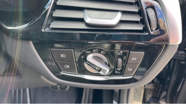 2019 BMW 530i M Sport Saloon (Black) - Image: 37