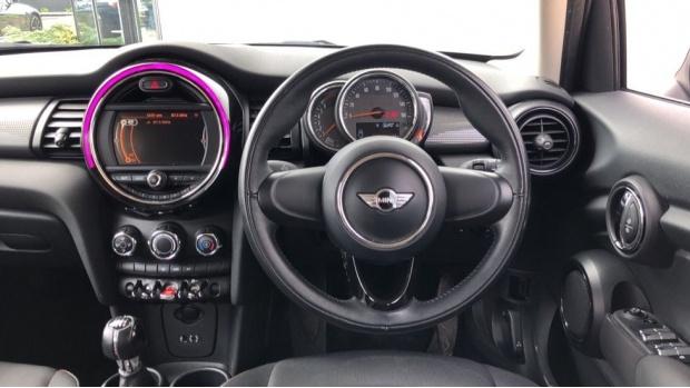 2017 MINI 5-door Cooper (Grey) - Image: 5