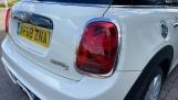 2018 MINI 5-door Cooper S Classic (White) - Image: 22