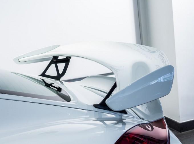 2016 Porsche 981 GT4 2-door (White) - Image: 14