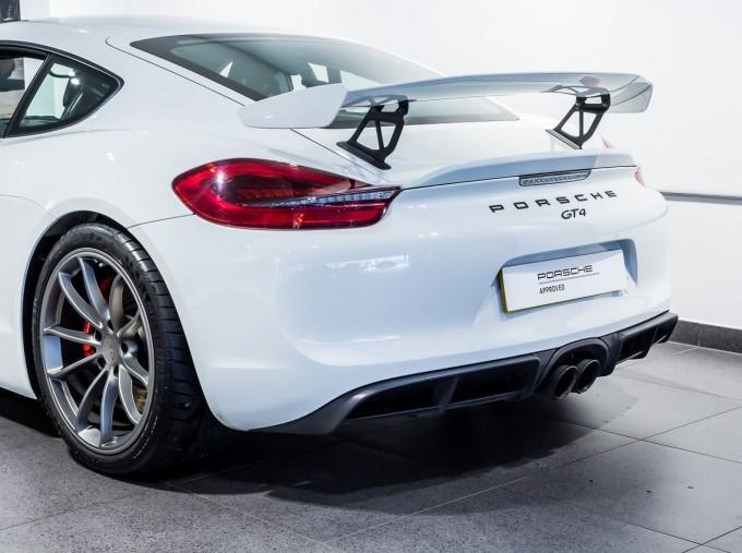 2016 Porsche 981 GT4 2-door (White) - Image: 15