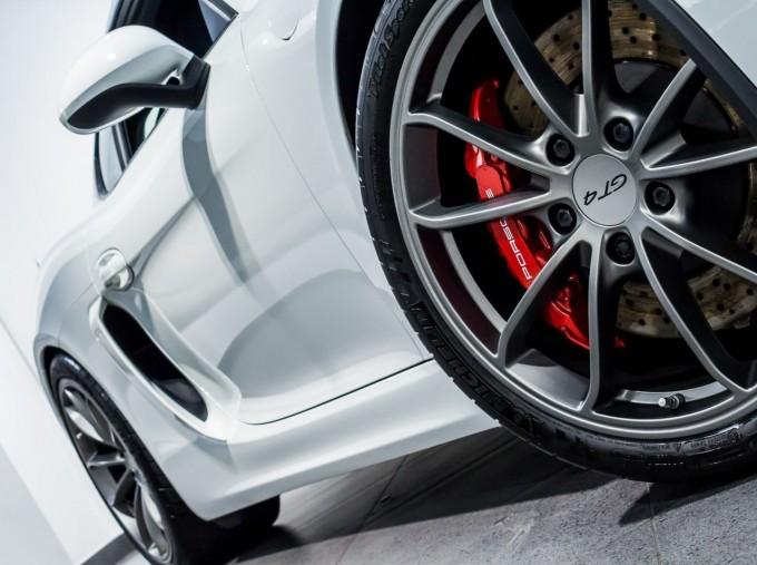 2016 Porsche 981 GT4 2-door (White) - Image: 16
