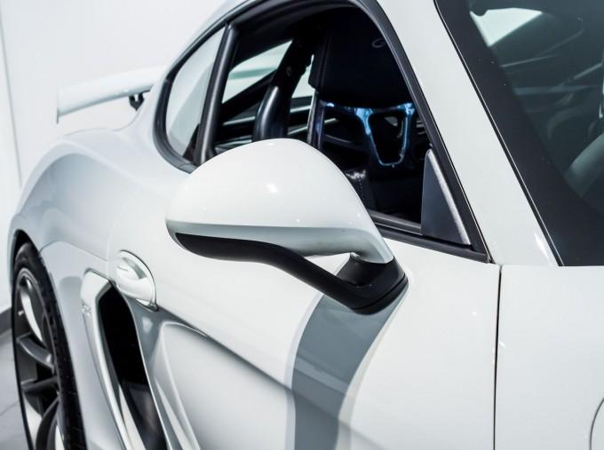 2016 Porsche 981 GT4 2-door (White) - Image: 22
