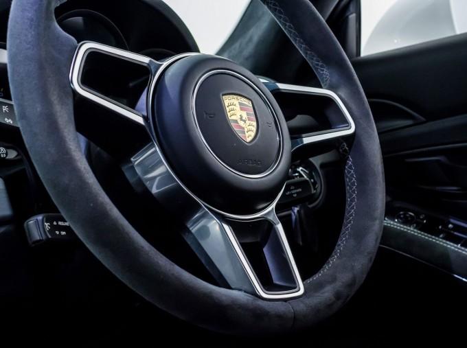 2016 Porsche 981 GT4 2-door (White) - Image: 29