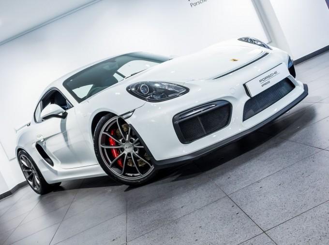 2016 Porsche 981 GT4 2-door (White) - Image: 45