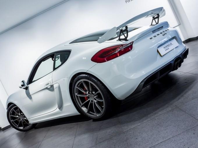 2016 Porsche 981 GT4 2-door (White) - Image: 46