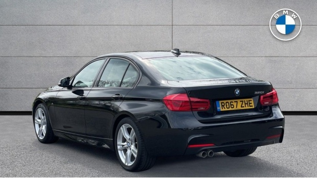 2017 BMW 320i M Sport Saloon (Black) - Image: 2
