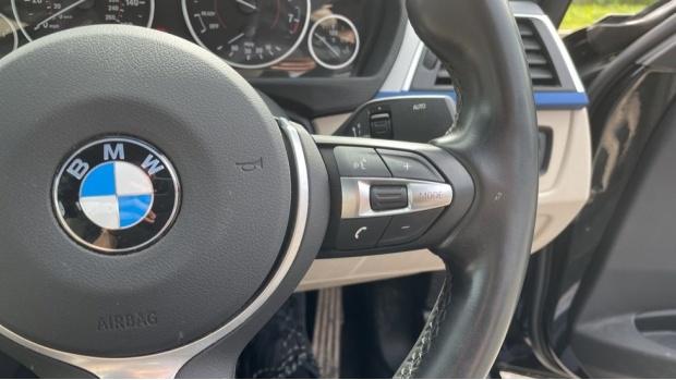 2017 BMW 320i M Sport Saloon (Black) - Image: 18