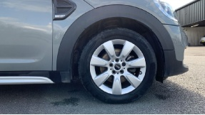 2017 MINI Cooper Countryman (Grey) - Image: 14
