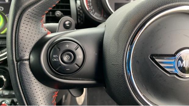 2017 MINI John Cooper Works 3-door Hatch (Black) - Image: 17