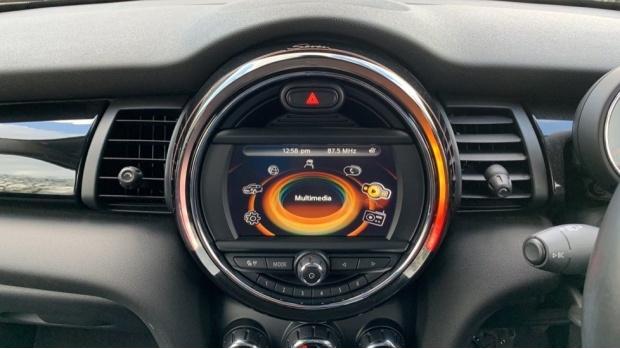 2017 MINI 3-door Cooper Seven Edition (Black) - Image: 8