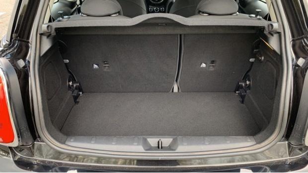 2017 MINI 3-door Cooper Seven Edition (Black) - Image: 13