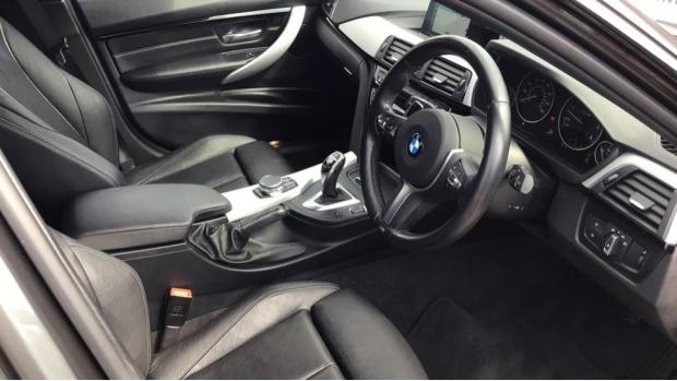 2017 BMW M Sport Touring (Grey) - Image: 6