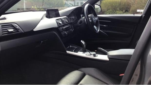 2017 BMW M Sport Touring (Grey) - Image: 7