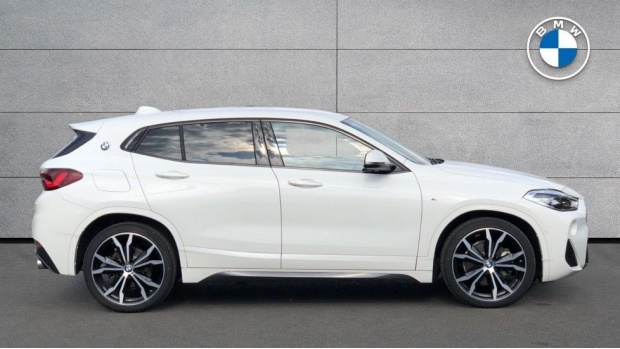 2020 BMW SDrive20i M Sport (White) - Image: 3