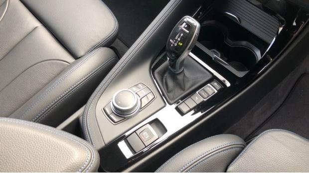 2020 BMW SDrive20i M Sport (White) - Image: 10