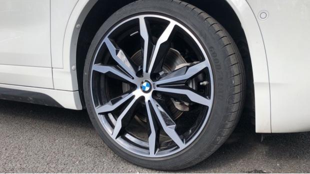 2020 BMW SDrive20i M Sport (White) - Image: 14