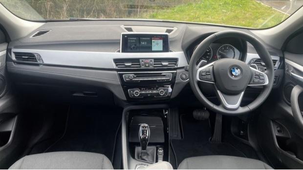 2020 BMW XDrive20d SE (White) - Image: 4