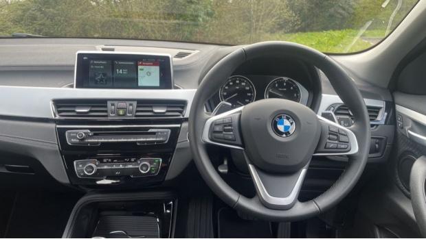 2020 BMW XDrive20d SE (White) - Image: 5