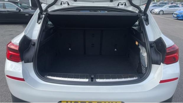 2020 BMW XDrive20d SE (White) - Image: 13
