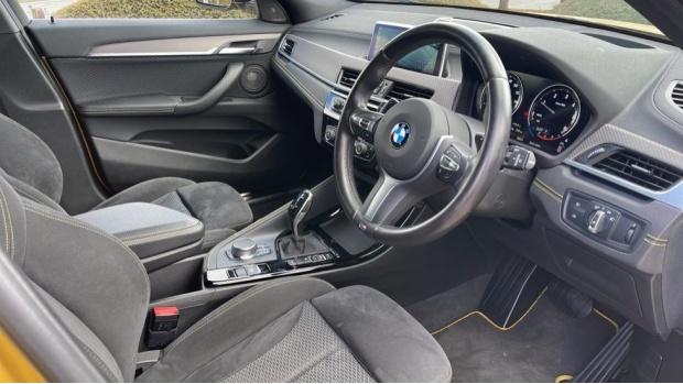 2018 BMW XDrive20d M Sport X (Gold) - Image: 6