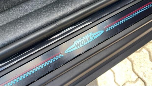 2021 MINI Cooper S ALL4 Sport (Grey) - Image: 39