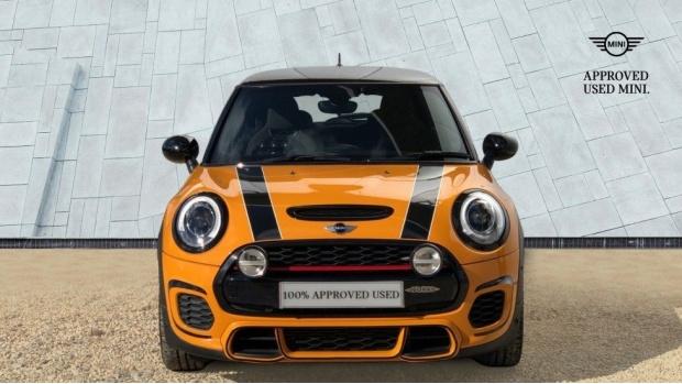 2016 MINI John Cooper Works 3-door Hatch (Orange) - Image: 16