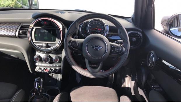 2021 MINI 5-door Cooper S Sport (Black) - Image: 5