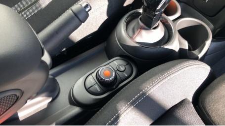2021 MINI 5-door Cooper S Sport (Black) - Image: 19