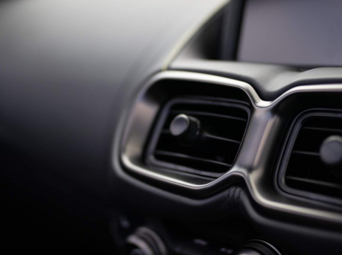 2021 Aston Martin V8 Roadster Auto 2-door (Black) - Image: 6