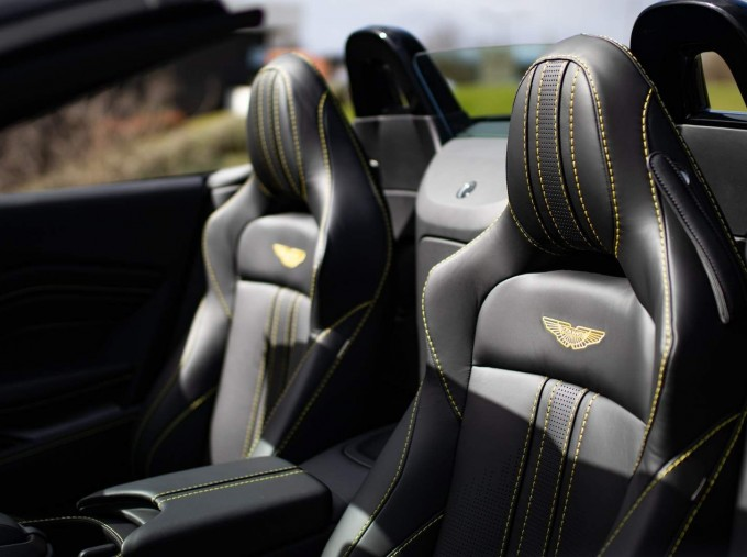2021 Aston Martin V8 Roadster Auto 2-door (Black) - Image: 16