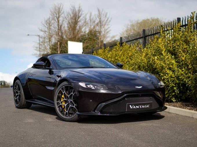 2021 Aston Martin V8 Roadster Auto 2-door (Black) - Image: 17