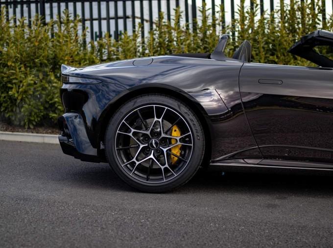 2021 Aston Martin V8 Roadster Auto 2-door (Black) - Image: 24