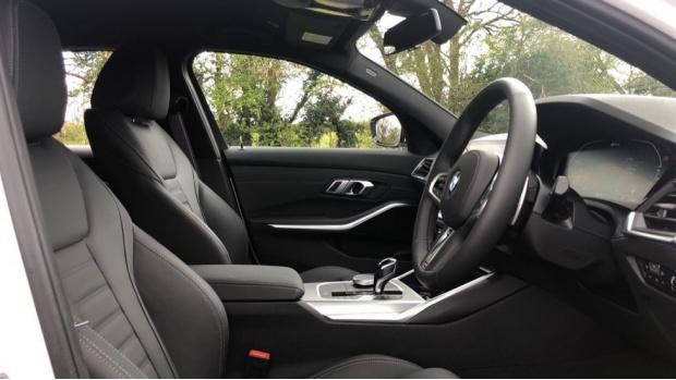 2021 BMW 330e 12kWh M Sport Touring Auto 5-door (White) - Image: 11