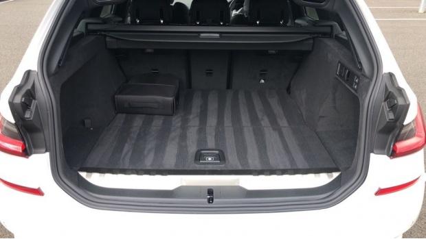2021 BMW 330e 12kWh M Sport Touring Auto 5-door (White) - Image: 13