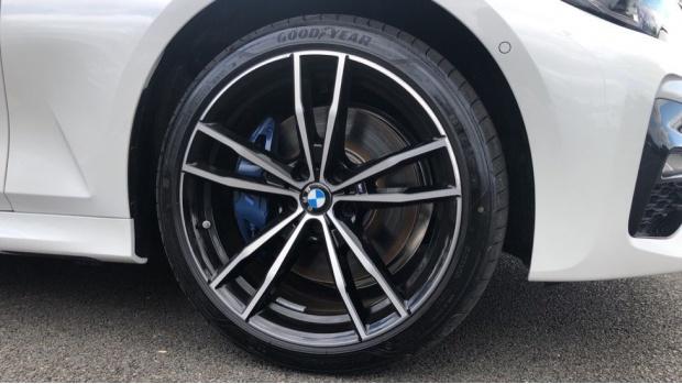 2021 BMW 330e 12kWh M Sport Touring Auto 5-door (White) - Image: 14