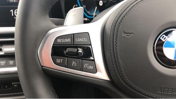 2021 BMW 330e 12kWh M Sport Touring Auto 5-door (White) - Image: 17