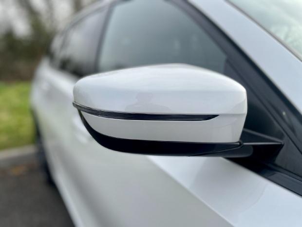 2021 BMW 330e 12kWh M Sport Touring Auto 5-door (White) - Image: 25