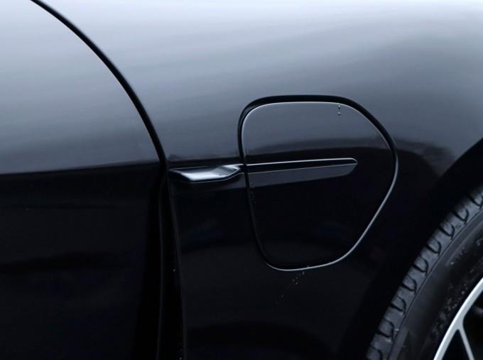 2021 Porsche 93.4kW Performance Auto 4-door (Black) - Image: 21
