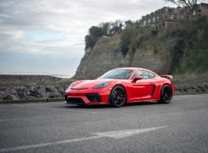 2020 Porsche 718 CAYMAN GT4 2-door