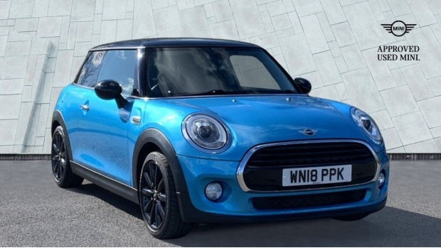 2018 MINI Cooper 3-door Hatch (Blue) - Image: 1