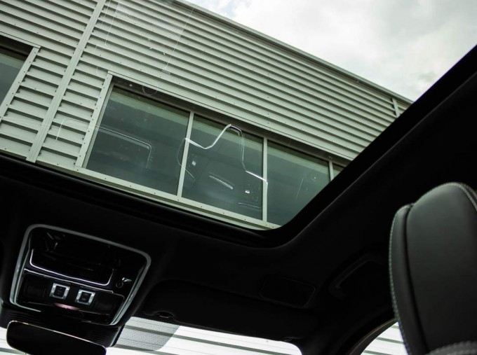 2021 Land Rover D200 MHEV R-Dynamic HSE Auto 4WD 5-door (Silver) - Image: 22