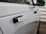 2021 Land Rover D200 MHEV R-Dynamic HSE Auto 4WD 5-door (Silver) - Image: 24